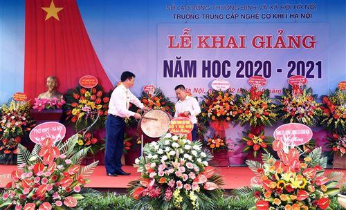 TRƯỜNG TRUNG CẤP NGHỀ CƠ KHÍ I HÀ NỘI KHAI GIẢNG NĂM HỌC 2020 - 2021