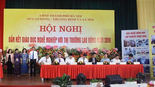 Trường Trung cấp nghề Cơ khí I Hà Nội tham gia Hội nghị gắn kết giáo dục nghề nghiệp với thị trường lao động năm 2019