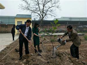 Trường Trung cấp nghề Cơ khí I Hà Nội hưởng ứng Tết trồng cây đời đời nhớ ơn Bác Hồ - xuân Kỷ Hợi 2019!